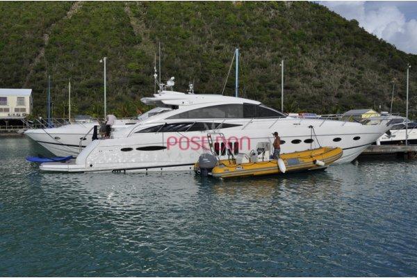 Princess V65 - 2008 - Hydrolic platform(370 Kg) view