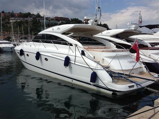 Princess V53 - 2009 For Sale, Considered As Almost New