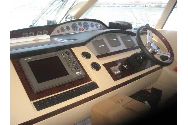 Princess 58 - 2008 - poste de pilotage