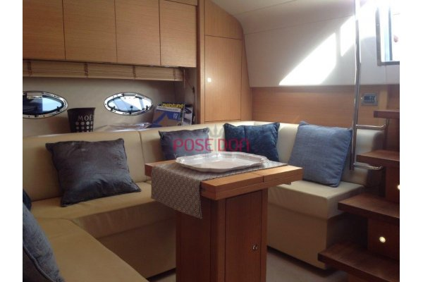 Sunseeker Portofino 48 - 2011 - cockpit