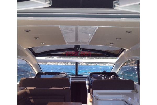 Sunseeker Portofino 48 - 2010 - wind hard top