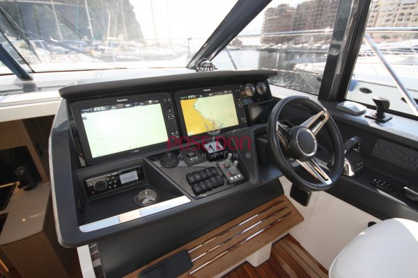 Princess V58  - 2017 - PRINCESS V58 2017 helm position
